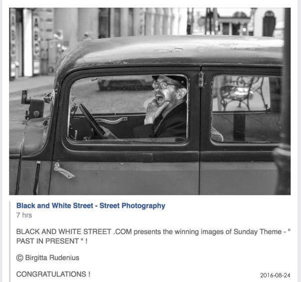 Black and White Street.com Theme Winner